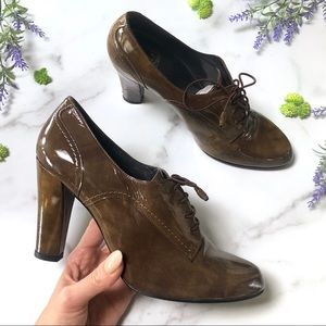 Stuart Weitzman Olive Patent Leather Oxfords, 6.5